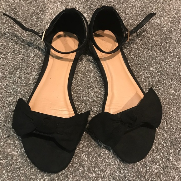 01e8ebd11166 BAMBOO Shoes - 7.5 🖤Black Bow Flats Open Toe Ankle Strap Sandal